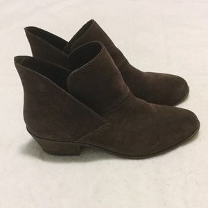 Me Too Zale Chocolate Suede Leather Ankle Boots